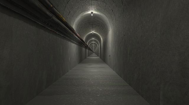 žárovky v tunelu